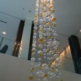 仙台の七夕を彷彿させる廊下の照明