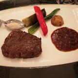 肉料理で、すごく柔らかかった!!