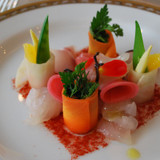 前菜。鯛の刺身が冷凍ぽかった。