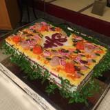 オリジナルのちらし寿司ケーキ入刀