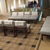廊下にはソファーがありました。