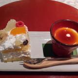 レストランでのウェディングケーキ