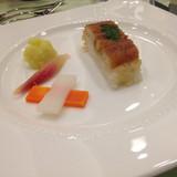 押し寿司とピクルス