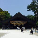 ここが大しめ縄で有名な神楽殿です