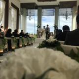 挙式会場の写真です。背景が写真映えします