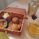 心遣いが嬉しい朝食は緊張で手を付けられず