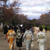 式場から迎賓館まで皆で徒歩移動