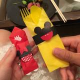 包みをミッキーミニーにしてくれました。