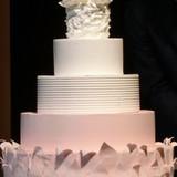 カラードレスをイメージしたケーキ