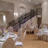 フランス邸の階段やテーブル