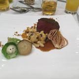 牛フィレ肉のポワレ。とても美味でした。