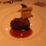 肉料理。とても柔らかく美味しかったです。