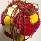 和装用の生花ブーケ。