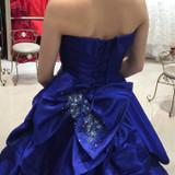 ブルーのカラードレスは一目惚れでした。