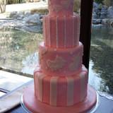 ウエディングケーキもとっても可愛い