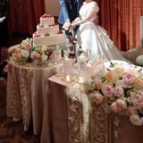 メインテーブル、ウエディングケーキ装花