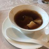 贅沢なフカヒレスープ、初めて食べました。