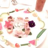 お皿の模様みたいな華やかな彩り♪