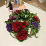 持って帰りやすく、珍しいリース型のお花