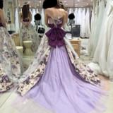 綺麗なパープルのドレス