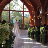 サンタムール教会は他にない木のチャペル