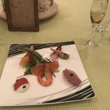 前菜。鴨とフォアグラがおいしい