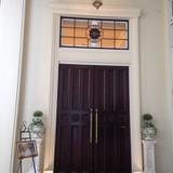ロビーに入る時の大きなドア