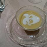 美しい冷製スープです。