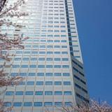 このビルの47階が式場です!