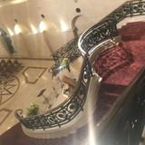 上から見た螺旋階段の写真です