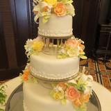 見事な美しさと存在感のウエディングケーキ