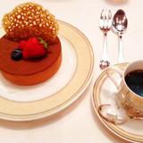 試食したデザート「特製ティラミス」と珈琲