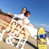 式場近くのビーチでの前撮り。