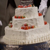 ハート形のウェディングケーキです!