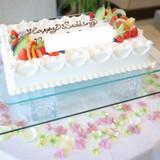 ケーキ下の造花は持込