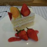 試食の際のデザートのケーキ