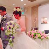 とても可愛い生花のブーケと髪飾りでした