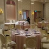 ピンク系の階段つきのかわいいお部屋。