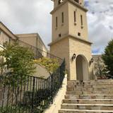 教会へ続く外階段