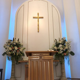 祭壇は、とても厳かな雰囲気です