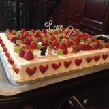 ケーキはマスカットにこだわりました