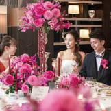 ワンランク上の大人のパーティなら、華やかな雰囲気の貸切空間「ザ・グランツ」がおすすめ。ゲストと同じ目線で美食と歓談を楽しもう。