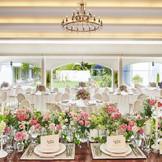 オープンキッチン併設のパーティ会場は、ガーデンに面した扉を全開放することもOK!抜群の開放感の中、パーティを行うことができます。
