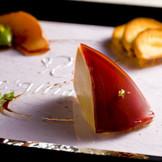 見た目にも美しい前菜。五感で美味しい料理の提供を目指して、常に新しい料理をご提供致します!