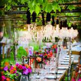 まるで「おとぎの国」を訪れたようなガーデンウェディング!新しくできるガーデンテラスには屋外にシャンデリアを施してラグジュアリーなパーティーを。