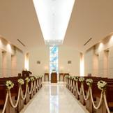 館内にはチャペルのほか、神殿もあり、さまざまな挙式に対応可能。