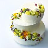 《ウエディングケーキ》シェフ・パティシエがおふたりのイメージをデザイン。