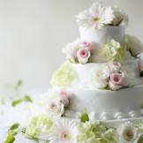 花巻温泉ならではの入刀用フラワーオリジナルウエディングケーキ