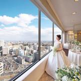 """ホテル最上階21階の景色を楽しむ事ができる""""スカイホール GINGA"""" 仙台市内の街並みを一望できるロケーション。"""