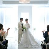 家族や親しい友人と、アットホームな結婚式